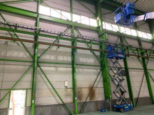 倉庫の外倒し窓高所作業