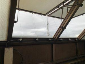 電動突き上げ窓修理工事2